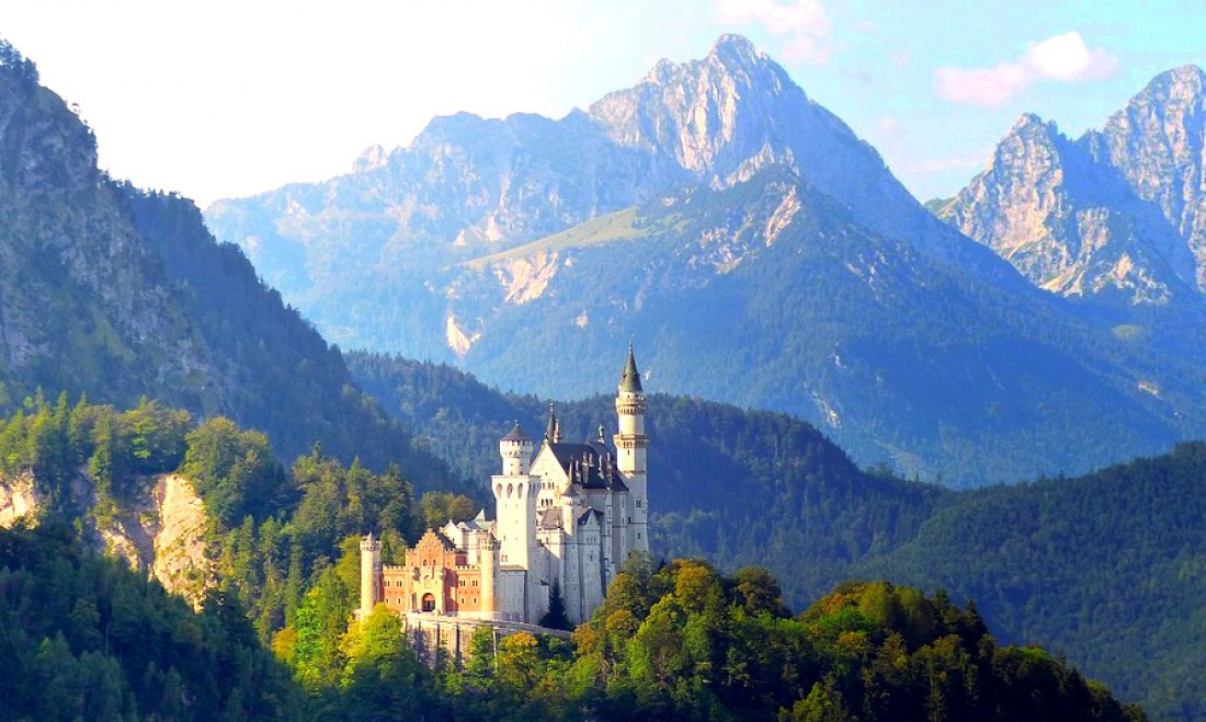 A Fairy-Tale Day Private Tour